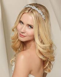 hair styles with rhinestones 65 best tiara hairstyles images on pinterest awesome hair