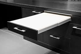 table escamotable dans meuble de cuisine cuisine 12 astuces gain de place côté maison