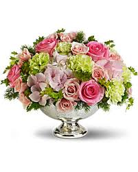 flowers arrangement teleflora s garden rhapsody centerpiece flower arrangement teleflora