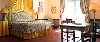 chambre dans un chateau chambres d hôtes et appartements château d esparron de verdon