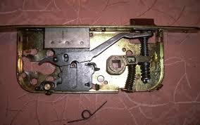 comment ouvrir une serrure de porte de chambre changer la serrure d une porte 16 comment ouvrir une porte de