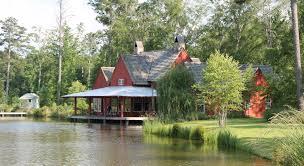 Farm Houses Pond Side Farm House By Mcalpine Tankersley Wood Plank Houses