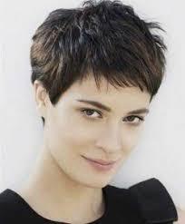 short wavy pixie hair short choppy pixie haircut short haircuts for fine hair short