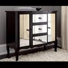 Black Mirrored Bedroom Furniture by Diy Mirrored Furniture This Is A Really Inexpensive Way To Update