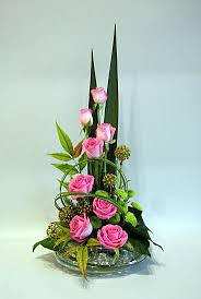 flowers arrangements 20 best triangular floral arrangements images on