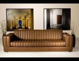 sofa tour nella vetrina gran tour ipe cavalli wanderer luxury italian sofa
