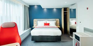 Sleep Train Bed Frame by Holiday Inn Express Dublin City Centre Hotel By Ihg