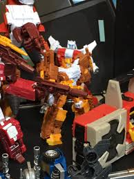 10 tokyo warriors unite warriors computron in hand images from tokyo toy show 2016