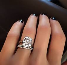 big diamond engagement rings i m more of a halo girl but i would be ok with receiving this