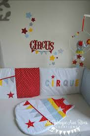 chambre cirque stickers cirque étoiles jaune bleu gris décoration chambre