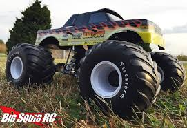 best monster truck videos everybody u0027s scalin u0027 u2013 new body day is the best day big squid rc