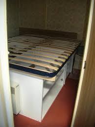 fabriquer une chambre construire lit baldaquin structure du tete creer faire en
