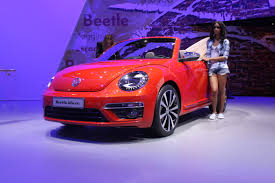 volkswagen beetle purple vw beetle concepts show future special editions autoguide com news