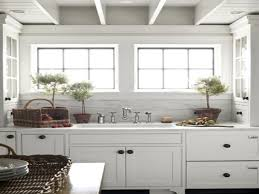 glass kitchen cabinet knobs white kitchen cabinets black knobs