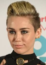whats the name of the haircut miley cyrus usto have miley cyrus hairstyles faux hawk pretty designs