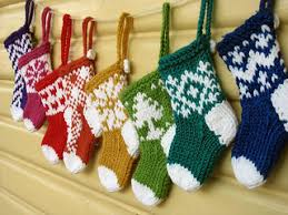 ravelry mini ornaments pattern by julie williams