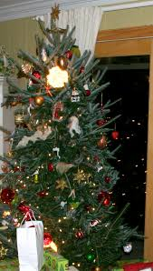 Put Lights On Christmas Tree by Christmas Christmas Lights How To Hang Tree Diy Decorator Put On