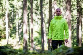 light waterproof cycling jacket páramo ciclo light jacket review mpora