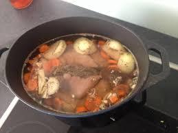cuisine du cochon pieds de cochon au vin blanc recette vin blanc pied de et cochons