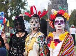 dia de los muertos costumes photos dia de los muertos at forever cemetery kcet