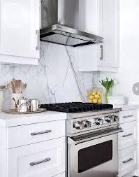 kitchen granite and backsplash ideas best 25 granite backsplash ideas on kitchen cabinets