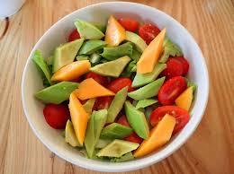 recette saine et facile salade mangue avocat sauce mangue miel autourdumondesansgluten