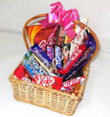 chocolate baskets send chocolate basket gift to pakistan