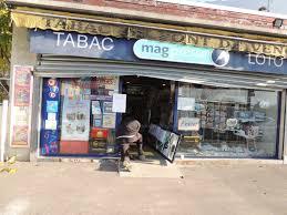 bureau tabac grenoble grenoble casses de commerces en série quatre hommes interpellés