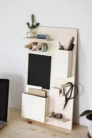 bureau a faire soi meme a faire soi même pour un bureau bien rangé une planche en bois pour