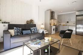Wohnzimmerm El Ums Eck Feelathome Mozart Apartments Spanien Barcelona Booking Com