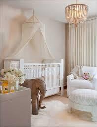 babyzimmer einrichten babyzimmer einrichten tipps schadstofffrei weisses babybett himmel