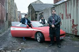 The Car In Starsky And Hutch Bradford Men Recreate Starsky And Hutch In Hilarious Daily