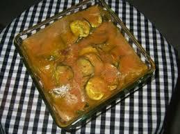 cuisiner des courgettes au four courgettes au four sauce végétalienne au curcuma recette ptitchef