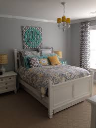 Yellow And Grey Bedroom by Surprise Teen U0027s Bedroom Makeover Pink Nightstands Teen