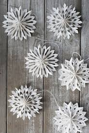 snowflake decorations best 25 diy snowflake decorations ideas on diy