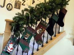 natural outdoorsy woodsy christmas decor organize and decorate