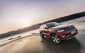 diesel jeep grand cherokee jeep grand cherokee diesel review test drive throttle blips