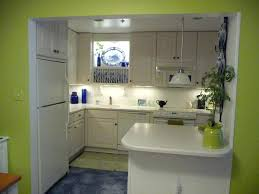 habillage hotte de cuisine hotte d angle de cuisine cuisine hotte d angle cuisine avec beige