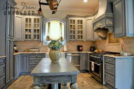 Annie Sloan Painting Kitchen Cabinets With Chalk Paint Ideas - Painting kitchen cabinets with black chalk paint