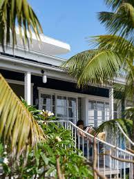 beach house on stilts luigi rosselli architects