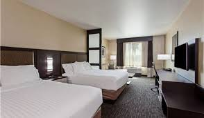 Two Bedroom Suites Anaheim Hotel Accommodations Disney Anaheim Holiday Inn Express U0026 Suites