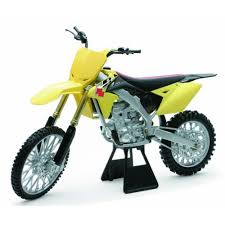 suzuki motocross bike 31 32 new ray toys suzuki rm z450 2014 dirt bike toy 1 6 1039007