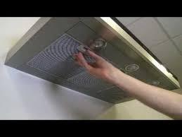comment enlever une hotte de cuisine comment nettoyer les filtres métalliques d une hotte aspirante
