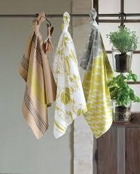 torchons et serviettes cuisine linge de maison serviette nappe et torchon tendance pour la