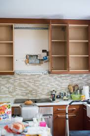 tips on painting kitchen cabinets you can paint kitchen cabinets it u0027s easy and it can make wonders