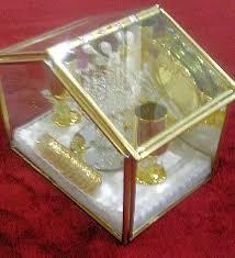 arras de boda elegantes arras para boda casita de cristal moneda antigua