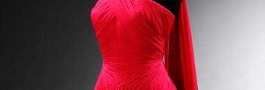 Draping On A Dress Form Art Of Fashion Draping Fashion Draping In Garment Industry