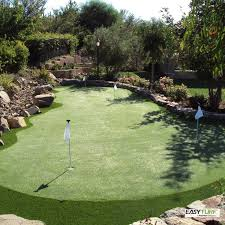 Backyard Artificial Grass by Best 25 Putting Green Turf Ideas On Pinterest Backyard Putting