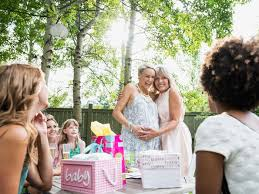 for a baby shower should you include registry information on a baby shower
