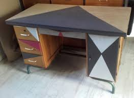 repeindre un bureau en bois customiser un bureau en bois fashion designs